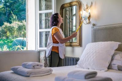 Housekeeping gordes luberon